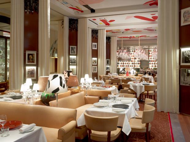 Le royal monceau hotel 8e arrondissement paris for Restaurant le jardin royal monceau