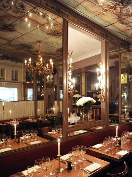 chez julien french restaurant 4e arrondissement paris. Black Bedroom Furniture Sets. Home Design Ideas