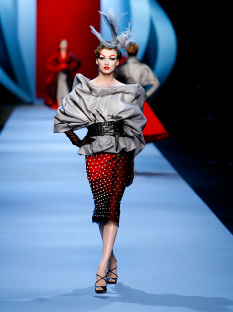 Haute Couture Christian Dior SS2011 4.  EMBROIDERED GREY SILK AND GREY DÉGRADÉ TULLE JACKET AND EMBROIDERED RED WOOL AND BLACK TULLE SKIRT.