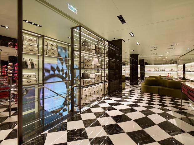 prada 6 rue du faubourg saint honor boutique 8e arrondissement paris. Black Bedroom Furniture Sets. Home Design Ideas